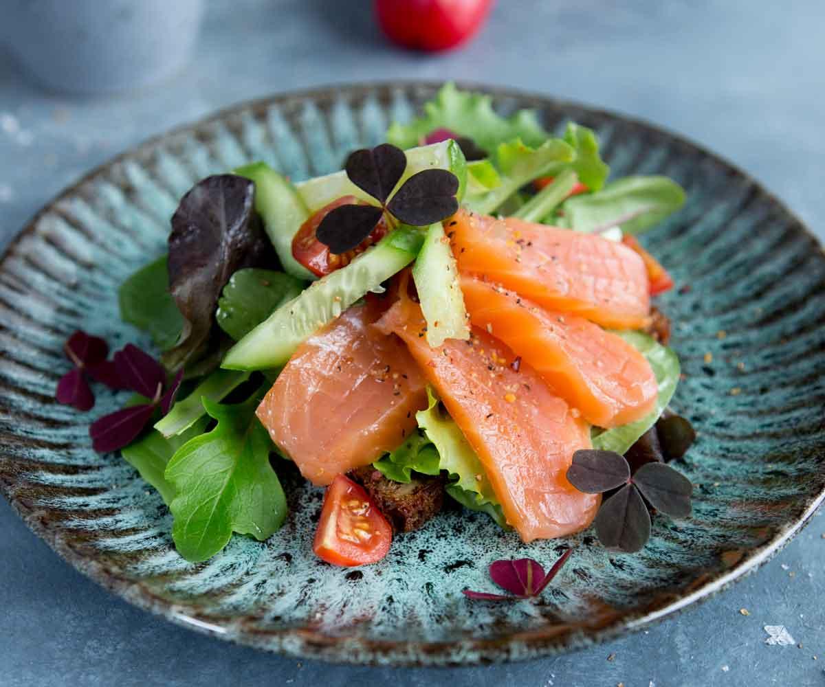 laks-opskrift-salat